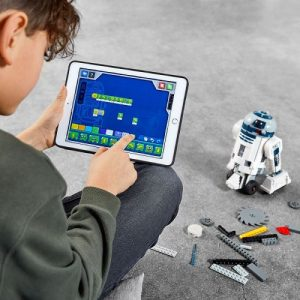 Children and youngsters can learn coding as they play with 3 iconic Lego Star Wars droids